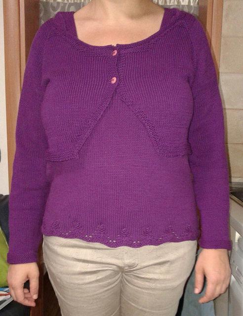 la foto linka al bolero, la maglietta la trovate qui http://www.ravelry.com/projects/Claudia-cipi/scollo-quadrato